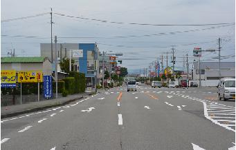道順 吉田方面より セブンイレブン交差点.png